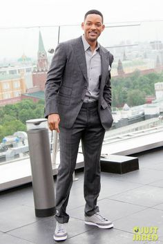 Here we have the ageless Will Smith rocking a sweet pair of Adidas. Sneakers with suits is becoming much more popular, what do you think about the combo?
