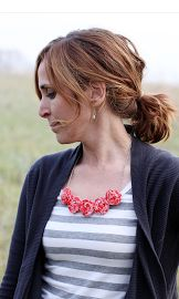 here's how to make a rolled flower necklace - I really love this!!