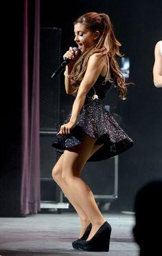 Ariana Grande in pantyhose - http://stockings-celebs.blogspot.com/2014/09/ariana-grande-in-pantyhose.html