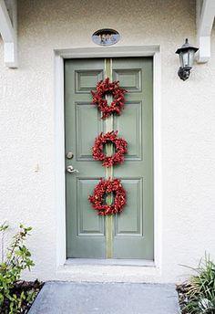 Love the three wreaths.