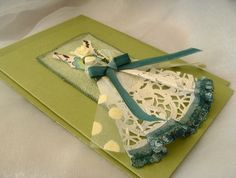 Gift Card Blank Paper Doily Dress Avocado Green and Aqua | Felt card craft, greet card, paper doilies, card blank, gift cards, doili dress
