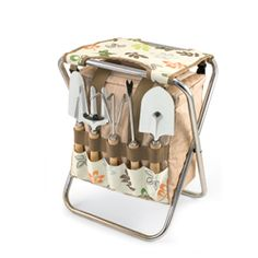 Gardening just got easier with the Gardener-Botanica by Picnic Time! The Gardener-Botanica is a folding seat and detachable polyester storage tote all-in-one. The storage tote has two zippered openings, one on the backside and one on the top for easy access from any angle. It conveniently holds 5 metal garden tools on the exterior of the tote so they are readily accessible when you need them.