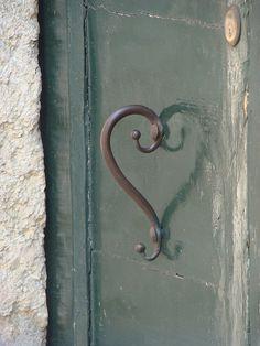 Verona door handle - notice it creates a heart shape in the reflection <3