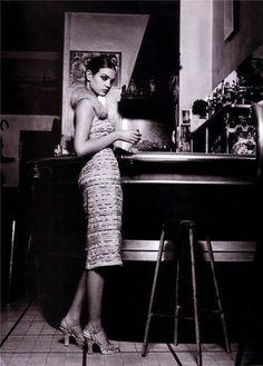 Belle De Nuit | Natalia Vodianova | Friedemann Hauss #photography | Marie Claire Australia March 2001 black n white, furs, style, vintage glamour, natalia vodianova, australia, drink, belle, fashion inspir