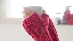 Free Blue Sky Alpaca one-cable handwarmers pattern - LoveKnitting blog