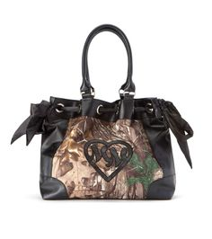 Metal Mulisha Maidens REALTREE STEALTHY PURSE! Realtree camo purse for all of you country girls! http://goo.gl/fSgFbn