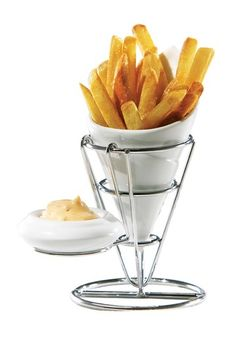 French fry cone + dipping saucer