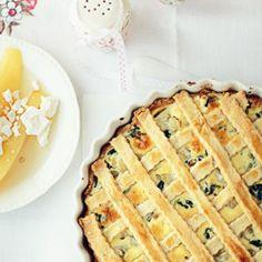 Tarta ze szpinakiem, ricottą i gruszką gotowaną w słodkim syropie