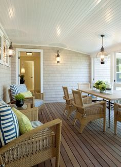 Screened Porch-if I'm stuck in IL I want a back screen porch like this