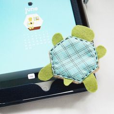 DIY turtle screen cleaner // wild olive