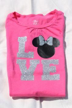 Disney Crafts for Your Next Trip | http://www.chipandco.com/disney-crafts-trip-175010/