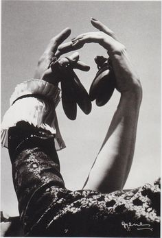Castañuelas. segovia juan, castagnet, rosita segovia, 1960s, danc, juan gyen, mano hand, antonio, photostori flamenco