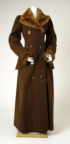 Brown wool overcoat with fur trim (front), British, ca. 1891.