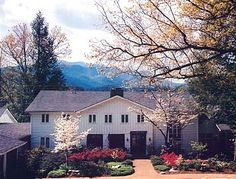 Gatlinburg Bed and Breakfast, Smoky Mountain lodging, Buckhorn Inn  #Bed and breakfast #Gatlinburg #Smoky Mountains