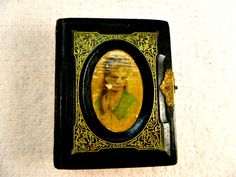 Antique 1800s Leather Oval Painting On Front Brass Clasp Tintypes CDV Photos.