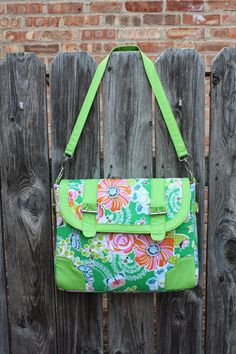 Free Kennedy Bag Pattern from Sara of Sew Sweetness | Sew Mama Sew |
