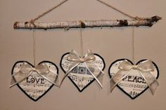 These Vintage Music Paper Ornaments are super easy! They look wonderful too, don't they?