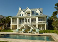 I like the house but pinning for the pool - House of Turquoise: Structures Building Company