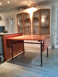 Pipe table and hutch