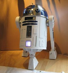 R2-D2 Computer Case - I need to build this.