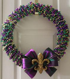 holiday, gras wreath, bead wreath, gras bead, idea, craft, beads, mardi gras, wreaths