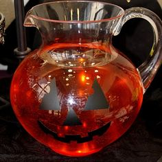 Pumpkin Pitcher made with vinyl. #Halloween, #vinyl, #Craft #pumpkin