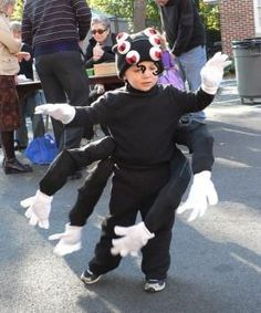 DIY Halloween Costume Tutorial: The Spider! DIY Halloween DIY Costumes