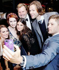 The cast group selfie