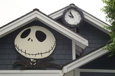 Jack Skellington Halloween decoration I made out of insulation foam from the Home Depot with acrylic paint (spray paint would melt it). Count down clock as well. :) (by Mishi K.)