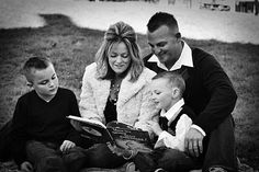 Family Story Time #book #portrait #photography #family #christmas