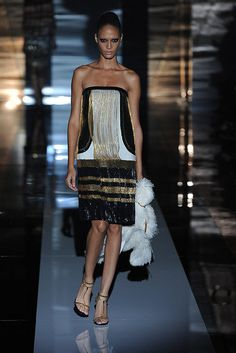 Gucci Spring 2012 woman fashion, gucci spring, dress, latest fashion trends, fashion spring, age style, straight