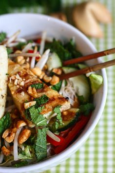 rice noodle bowl with crispy tofu @eatliverun