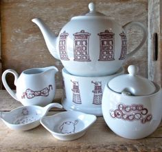Doctor Who Tea Set with Teapot, Creamer and Sugar Bowl, Tea Strainer and Spoon, Tea Pot Warmer. I bet Kyle could make this.