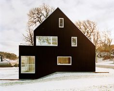 modern farmhouse, old farmhouses, black house, scandinavian chic, architectur, small houses, dream houses, barn homes, wood houses