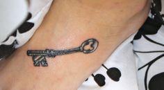 i love keys and disney!