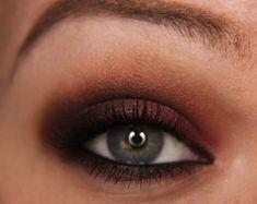 Step-By-Step: Cranberry Smoke with Makeup Geek Shadows | Makeup Geek