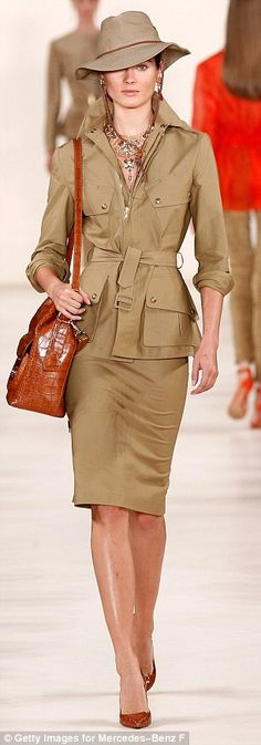 Ralph Lauren finished his New York Fashion Week show,  the 2015 collection featured lots of khaki, cargo pants and generally follows a Safari theme #safariclothes #khakistyle