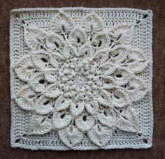 Free crochet crocodile stitch square pattern.