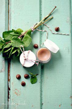 DIY: chocolate mint lip balm