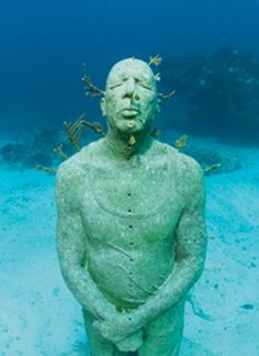 Underwater sculpture garden - Silent Evolution - created by renowned sculptor Jason de Caires Taylor, Cancun, Isla Mujeres. S)