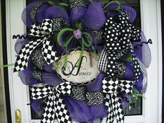 That's Amore Mesh Wreath