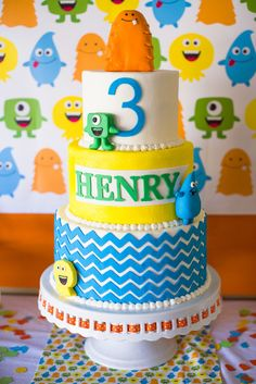 Cake for a Friendly Monster Party #monster #party
