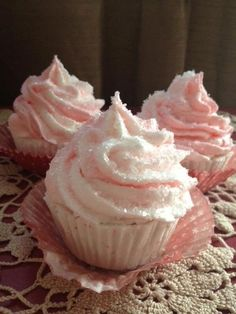 cupcake bath bombs from warm and fizzy! look so real! facebook.com/warmandfizzy