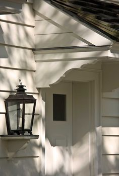 nice brackets and check out that shelf with the lantern.....john b. murray architecture
