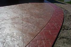 DECORATIVE CONCRETE    (Concreto Decorativo – Pisos Texturizados – Pisos Brillantes, Pisos con Spraydeck & Pisos Estampados)    DEFINICION Y APLICACIONES    INCRETE es un proceso en el que se transforma el concreto gris en hermosos ladrillos, pizarras, y réplicas de piedra. Una vez que está instalado correctamente, el INCRETE es antideslizante, resistente a las manchas, tiene un acabado resistente a la abrasión y puede ser aplicado en patios, aceras, calzadas, interiores y exteriores.