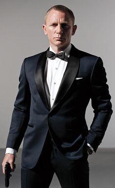 Dark blue bond #tux #tuxedo #menswear