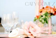 #Weddingtabledecor idea: follow #elegantcolors