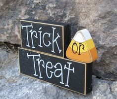 HALLOWEEN TRICK or TREAT Blocks