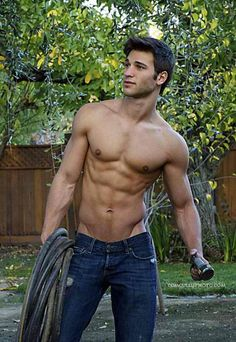 Wishing my city living came with a patch of grass that needed tending by a hunk such as this. #HunkDay #GreatOutdoors