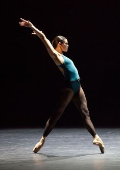 """Alice Renavand in William Forsythe's """"In the Middle, Somewhat Elevated"""" - Paris Opera Ballet"""